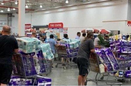 В Австралии ограничили продажу туалетной бумаги из-за коронавируса